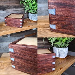 Valet box with bubinga and white epoxy dovetails - Project by SmokeAndSand