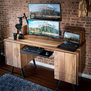 The Dream Desk - Woodworking Project by ZacBuilds