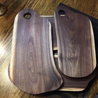 Live-edge cutting/serving Boards - Woodworking Project by jbschutz
