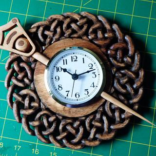 Tara Brooch Clock - Woodworking Project by Celticscroller