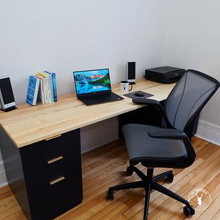 Solid Wood Cabinet Desk - Project by Marie from DIY Montreal