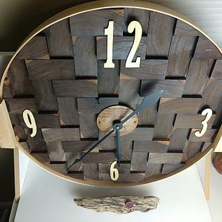 Walnut End Grain Clock - Project by Galvipa