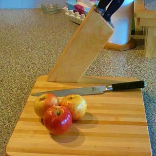 CUTTING BOARD AND KNIFE BLOCK  - Woodworking Project by kiefer