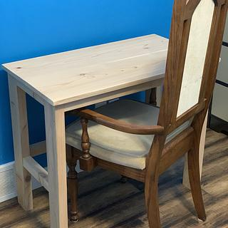 Small cedar desk   - Woodworking Project by Sheri Noble, woodworking at it's finest!