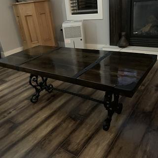 Living room table/coffee table