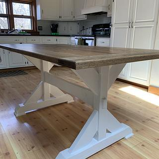 Trestle table  - Project by StarsinicWoodworks