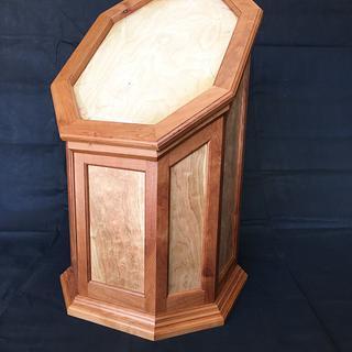 Taxidermy pedestal base - Cake by Stephen