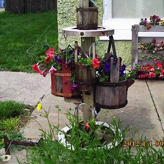 wagon wheel planter - Cake by barnwoodcreations