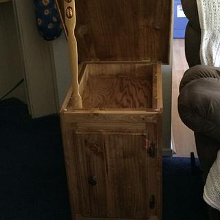Knotty pine end-table - Woodworking Project by David