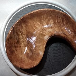 Freeform tiger maple bowl - Cake by Mark Michaels