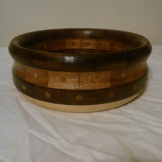 Bowl with dowels - Project by Will