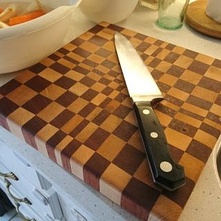 End grain cutting board - Project by Brian