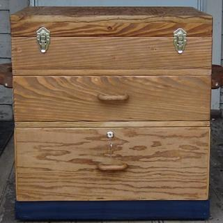 Pat's Tool Chest - Woodworking Project by Renee Turner