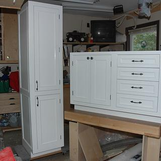 Vanity and linen cabinet - Woodworking Project by Fred Hargis