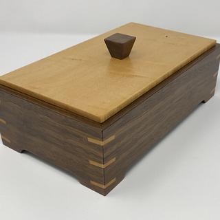 Another Walnut and Maple Keepsake Box - Cake by kdc68