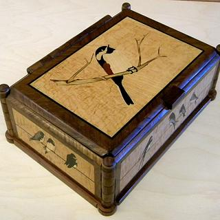 Birds and Bees, A Reversible Marquetry Box - Project by shipwright