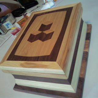 Black Walnut & Hickory jewelry box - Woodworking Project by DR. Reno