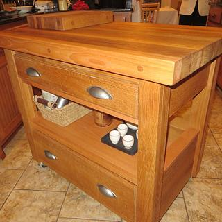 Mobile Kitchen Island - Cake by oldrivers
