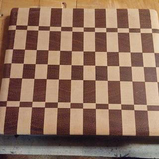 End grain cutting board #2 - Woodworking Project by Brian
