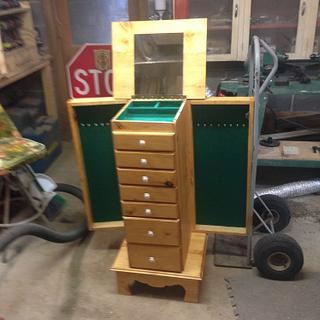 jewelry box I made for my daughter for her birthday.  - Woodworking Project by Victor sykes