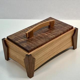 Rift Sawn White Oak & Walnut Keepsake Box - Project by kdc68