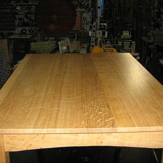1/4 SAWN WHITE OAK TABLE