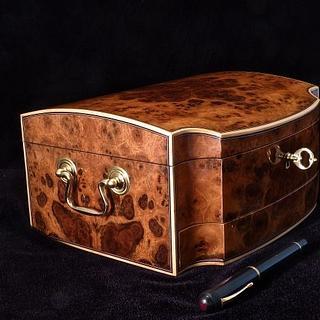 Walnut Fountain Pen Box - Project by RogerBean