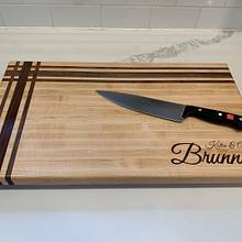 Custom monogram cutting board - Woodworking Project by StarsinicWoodworks