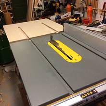 Outfeed Table for DeWalt Contractor Saw - Woodworking Project by Mike40