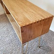Dovetail tv stand - Woodworking Project by MisterB
