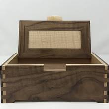 Walnut and Maple Keepsake Box - Woodworking Project by kdc68