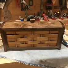 Walnut/RedOak Box - Woodworking Project by Mpad