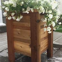Cedar planter - Woodworking Project by Gabe