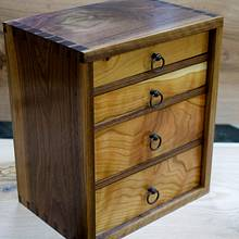 Small Tool Chest - Woodworking Project by Manitario