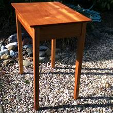 Mahogany End Table - Woodworking Project by 3fingerpat