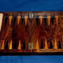 Backgammon set - Woodworking Project by Mark Michaels