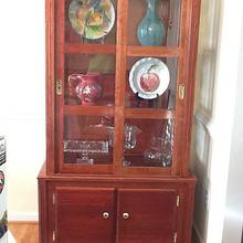 Display hutch with cookbook storage on bottom - Woodworking Project by Jack King