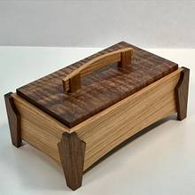 Rift Sawn White Oak & Walnut Keepsake Box - Woodworking Project by kdc68