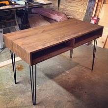 Modern Style School Desk - Woodworking Project by Bulldawg