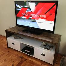 Rough-ish TV Stand - Woodworking Project by Oblivion