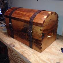 First box I ever made, I enjoyed doing it. Red & white oak.    - Woodworking Project by Victor sykes