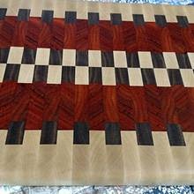 End grain cutting board. - Woodworking Project by kenmitzjr