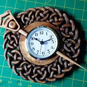 Tara Brooch Clock - Woodworking Project by Celticscroller