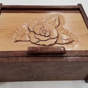 LITTLE FIGURED WALNUT BOX WITH CARVING - Woodworking Project by a1jim