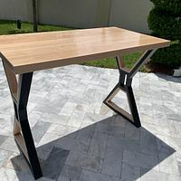 Maple Pub Table - Project by Izzyswoodworking