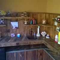 Rustic Pallet Wood Bar - Woodworking Project by Ben Buxton