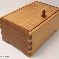 A pair of Commissioned Jewelry boxes - Woodworking Project by DouglasB