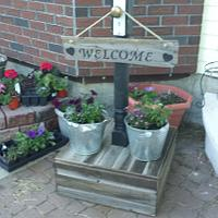 Barnwood Welcome sign post