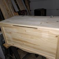 Toy box - Woodworking Project by Ed Schroeder