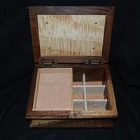 Walnut box - Woodworking Project by mike1950